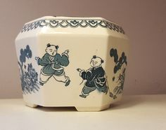 Blue and White Jardiere Chinese export China Kids Playing early 20th c planter