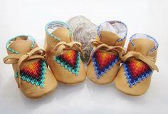 Amérindien perlé bébé mocassins et par AuthenticNativeMade sur Etsy
