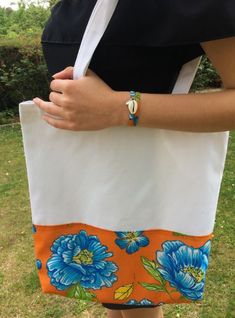 Tote Bag Bresilien Bleu et son bracelet Tote Bag, Sons, Creations, Bracelets, Trend Accessories, Blue Flowers, Universe, Totes, My Son