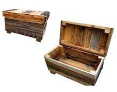Resultado de imagem para bau de madeira