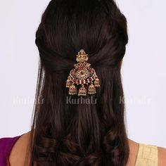 South Indian Bride Hairstyle, Indian Bridal Hairstyles, Bride Hairstyles, Hair Jewelry, Gold Jewelry, India Jewelry, Jewelery, Fashion Jewellery, Fancy Jewellery