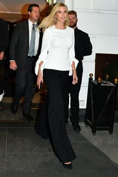 Ivanka Trump Clothes and Outfits White Fashion, Star Fashion, Womens Fashion, Ivanka Trump Style, Melania Knauss Trump, Business Chic, Evening Outfits, Classic Style Women, Glamour