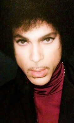 Pretty Men, Gorgeous Men, Pictures Of Prince, Paisley Park, Purple Home, Roger Nelson, Bold And The Beautiful, Prince Rogers Nelson, Purple Reign