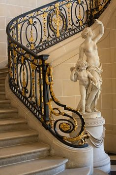 Museé Nissim de Camondo, Paris ornate wrought iron with gold leaf railing blending Italian and French styles Iron Staircase, Stair Railing, Staircase Design, Railings, Banisters, Luxury Staircase, Railing Ideas, Art And Architecture, Architecture Details