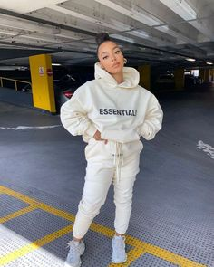 Cute Swag Outfits, Trendy Outfits, Girl Outfits, Fashion Outfits, Fashion Ideas, Black Girl Fashion, Teen Fashion, Cute Sweatpants Outfit, Casual Pants