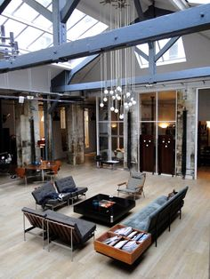 LOFT CONNEXION , by Samuel Johde: Maison de Ville Paris 11e  ... 'This is a great space.  Vaulted ceiling industrial chic...' JT (always in my own words)