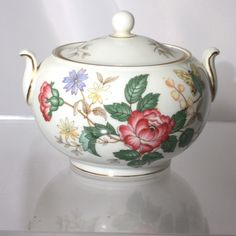 Spring time Bone white Wedgwood fine china lidded sugar bowl in the Charnwood pattern. Bone china with full color floral design and gold in diam Sugar Bowls, Wedgwood, Fine China, Tea Pots, Floral Design, Jar, Unique Jewelry, Handmade Gifts, Cups