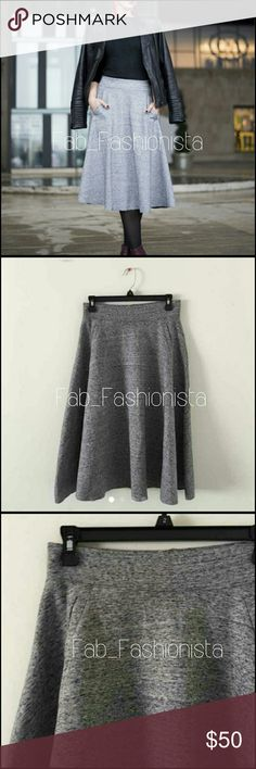 H&M Classy Midi Skirt Like new! Worn once for a photo shoot.  Nice thick material. Moves with you! So classy & chic.   Brand: H&M Size: Small H&M Skirts Midi