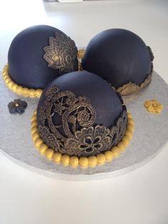 Black Mini Cakes