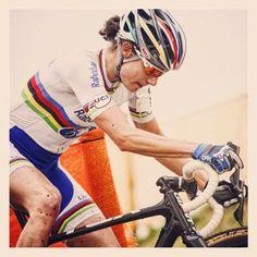Ciclismo-Espresso.com: That's a short stem! Marianne Vos, Pro Cycling, Bicycles, Espresso, Champion, Girls, Life, Biking, Espresso Coffee