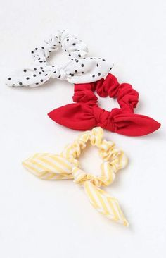 The LA Hearts Retro Scrunchie helps you express yourself with bold prints. Made from a woven fabric, this scrunchie pack features a stretchy band with bow tie. Retro, Fashion Accessories, Hair Accessories, Fashion Jewelry, Velvet Scrunchie, Hair Ties, Cute Hairstyles, Hair And Nails, Headbands