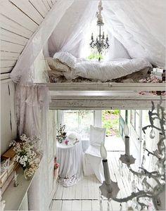 Euh... Wow!! Petit nid d'amour!