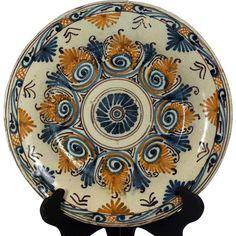 A late 16th century Talavera polychrome majolica plate, Talavera de la Reyna, Spain circa 1590