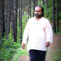 Prashant Tripathi  अकेले चलने में डरता क्यों हूँ   (Why Am I Afraid To Walk Alone ) by Shri Prashant on SoundCloud