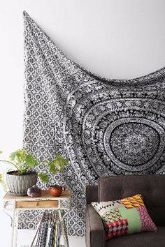 Loving Life - Bob Marley Tapestry Wall Hanging Hippie Beach Throw for parties. This unique Bob Marley One World Handmade Tapestry is high quality piece of Home Decor.