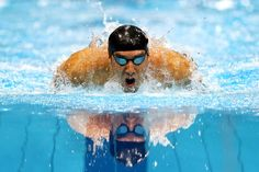 JULY 28: Michael Phelps of the United States competes in the Final of the Men's 400m Individual Medley on Day One of the London 2012 Olympic Games at the Aquatics Centre on July 28, 2012 in London, England. (Photo by Al Bello/Getty Images)