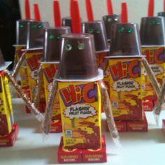 Pudding cups, juice box, raisins, spoon & some sort of stick food (pretzel rods?) for the arms of the robot! Cheer Snacks, Baseball Snacks, Sports Snacks, Team Snacks, Game Day Snacks, Baseball Teams, Baseball Mom, School Treats, School Snacks