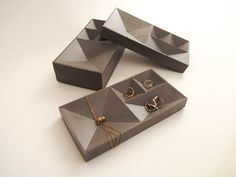 Bandeja de hormigón para joyas - Concrete Jewelry Tray by HLouNY on Etsy
