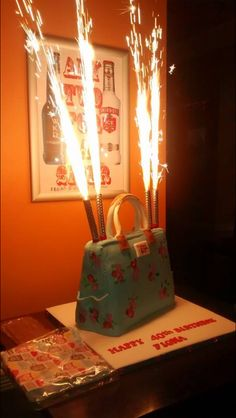 Handbag cake (customer picture as was a rush to deadline)