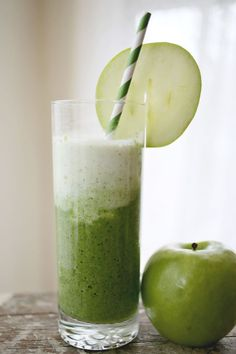 1 lime, coconut milk, 1 granny smith apple, baby spinach, yogurt, ice cubes.