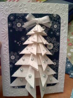 Tree Card by cindalu - Cards and Paper Crafts at Splitcoaststampers Maybe in green? with spray for snow Chrismas Cards, Christmas Card Crafts, Christmas Cards To Make, Handmade Christmas, Holiday Cards, Oragami Christmas Tree, Holiday Decor, Iris Paper Folding, Origami Cards