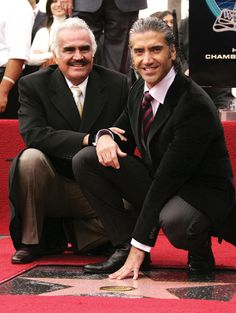 Vicente Fernadez and his son Alejandro Fernandez. Latin Artists, Mexican Artists, Spanish Music, Latin Music, Famous Latinos, The Artist Movie, Famous Mexican, Celebrity Skin, Marilyn Monroe Photos