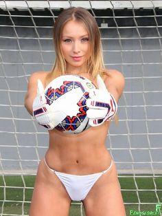 Daniella Chavez La Novia De La Copa America x8 HQ | FamosasMex