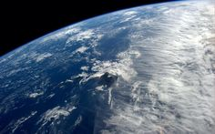 Fantastic clouds stop just short of blocking the Hawaiian sun. Picture: Astronaut Reid Wiseman