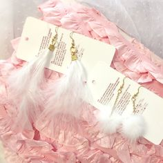 1+pair+Cute+Romantic+Airy+Baby+White+Feather+Fur+Ball+Dangle+earrings+Kawaii+Cutiepie+Fashion+Jewelry+Boho+Bohemian  ♥+each+purchase+is+for+1+pair+of+earrings    International+Shipping+-+Ships+Within+3+business+days Item+location+-+Hong+Kong Estimated+delivery+time+:+ United+States+-+10-...