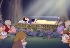 Snow White and the Seven Dwarfs Disney Princess Snow White, Seven Dwarfs, Reading Passages, Walt Disney, Sleeping Beauty, Toddler Bed, Painting, Art, Child Bed