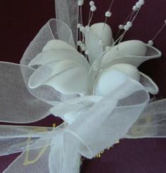 Italian Wedding Party Favor Idea in White... also available in ivory, pink and blue.