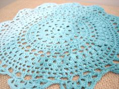 ombre doily hoop (a tutorial) - burlap and blue