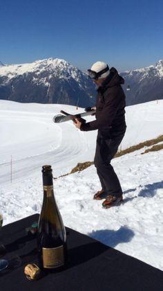#sabrage #champagne #brut #5ansdAge Cuvée D à 2800 mètres d'altitude #montagne #alpedHuez