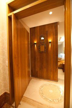Hall de entrada Cs, Armoire, Bathroom, Mirror, Frame, Furniture, Home Decor, Entry Hall, Interiors