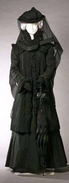 Ca. 1908 crepe coat.