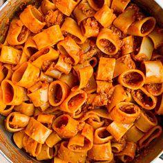 Red Pepper Pasta, Roasted Red Pepper Sauce, Red Pepper Recipes, Lotsa Pasta, Vegetarian Pasta Recipes, Pasta Maker, Drying Pasta, Pasta Shapes, Fresh Pasta