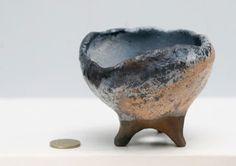 Yamadorian Bonsai Pots / Sanatçıyla temasa geçmek için: 212 263 6399 eraydin@sahicist.com