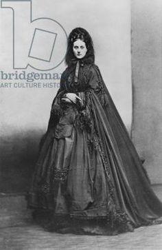 Portrait of Virginia Oldoini, Contessa Verasis di Castiglione, c.1865 (b/w photo) by French Photographer, (19th century) - Bridgeman - Art, Culture, History