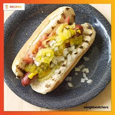Chicago-Style Hot Dogs Serves: 4 Serving Size: 1 hot dog WWPP: 5