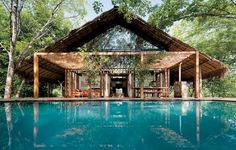 The Guava House in Mawanella is the romantic weekend retreat of London-born Sri Lankan architect Ranjan Aluwihare (RA Designs), his wife and two daughters.