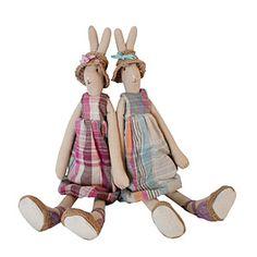 Maileg garden bunnies.