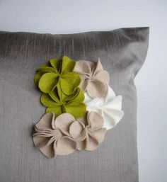 An Easy Way to Pretty Up Your Throw Pillows #diy
