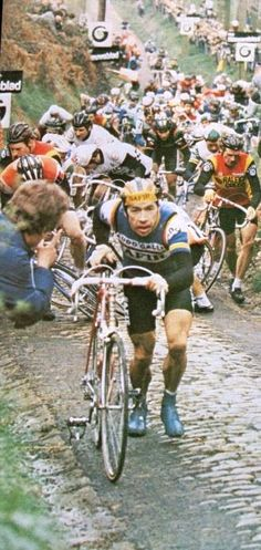 Ronde van Vlaanderen 1981 (and Herman Van Springel in front).
