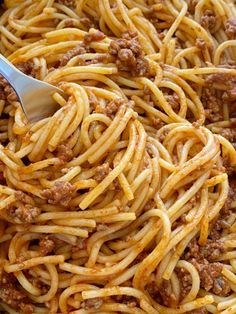 Old Fashioned Spaghetti Recipe, Spaghetti Beef Recipe, Ground Beef Spaghetti Sauce, Spaghetti Sauce Easy, Spaghetti Noodles, Baked Spaghetti, Pasta Dinner Recipes, Pasta Meals, Ground Beef Recipes