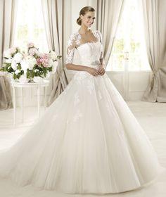 Pronovias vous présente la robe de mariée Domingo. Glamour 2014. | Pronovias