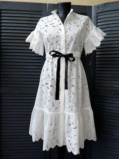 Vintage Dresses in Cute & Unique Styles Stylish Dresses, Simple Dresses, Casual Dresses, Women's Casual, Short African Dresses, Latest African Fashion Dresses, 00s Mode, Chic Outfits, Fashion Outfits