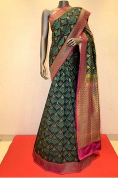 Exquisite Handwoven Banarasi Summer Silk Saree            Product Code: SSJG00851
