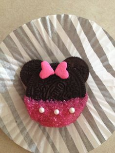 Minnie Mouse oreo cookies!!