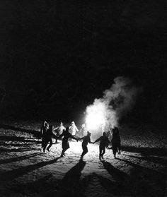 Atelier Robert Doisneau | Site officiel // Ronde à Laffrey hiver 1958