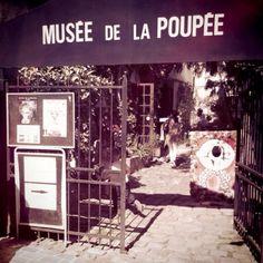 Doll museum in Paris.